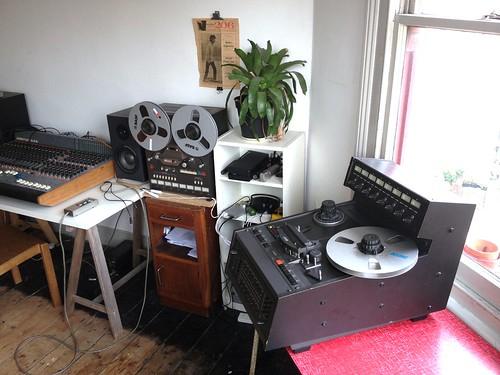 4 tape machines