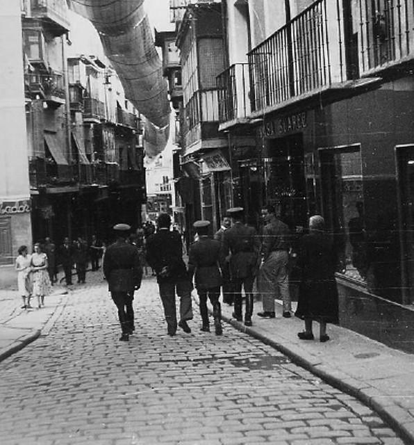 Calle ancha de Toledo en junio de 1951. Yves Klein's travel in Tolede, Spain, 1951 © Yves Klein / ADAGP, Paris, 2015