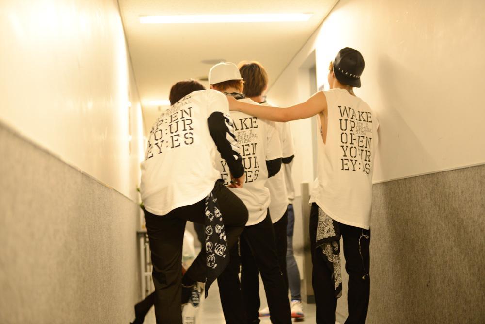BTS backstage1