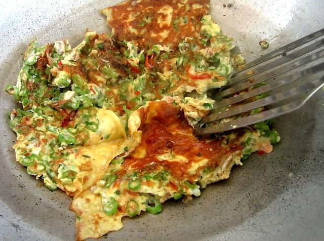 Long beans omelette