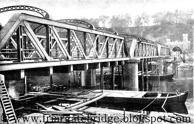Midland Railway Bridge over River Trent at Thrumpton, Nottinghamshire, UK built by Andrew Handyside in 1894