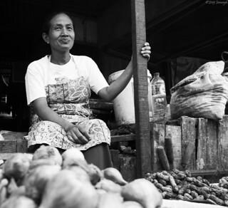 Senyum .... Satu kati Syukurlah.... Pasar Johar