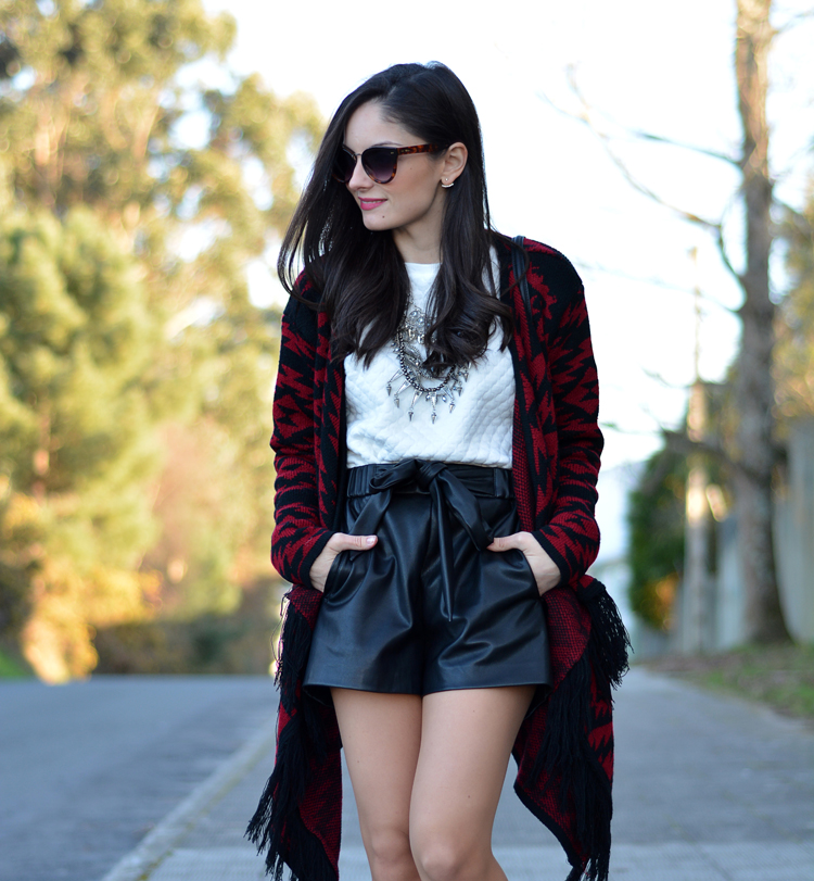 poncho_zara_pullandbear_boots_ootd_outfit_03