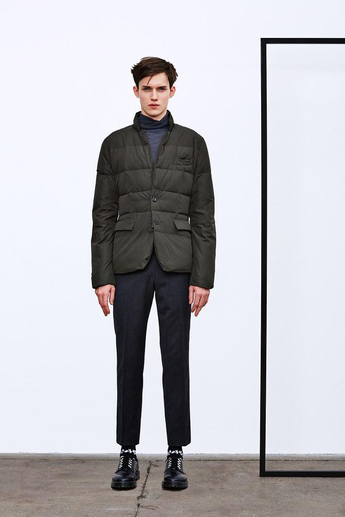 Yulian Antukh(Antuh)3138_1_FW15 NY DKNY(Style.com)