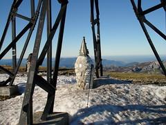 Invierno suave bajo la cruz de Gorbeia (1.482 m.)