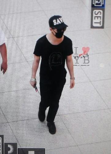 YB Dae GD departure Seoul to Bangkok 2015-07-10 023
