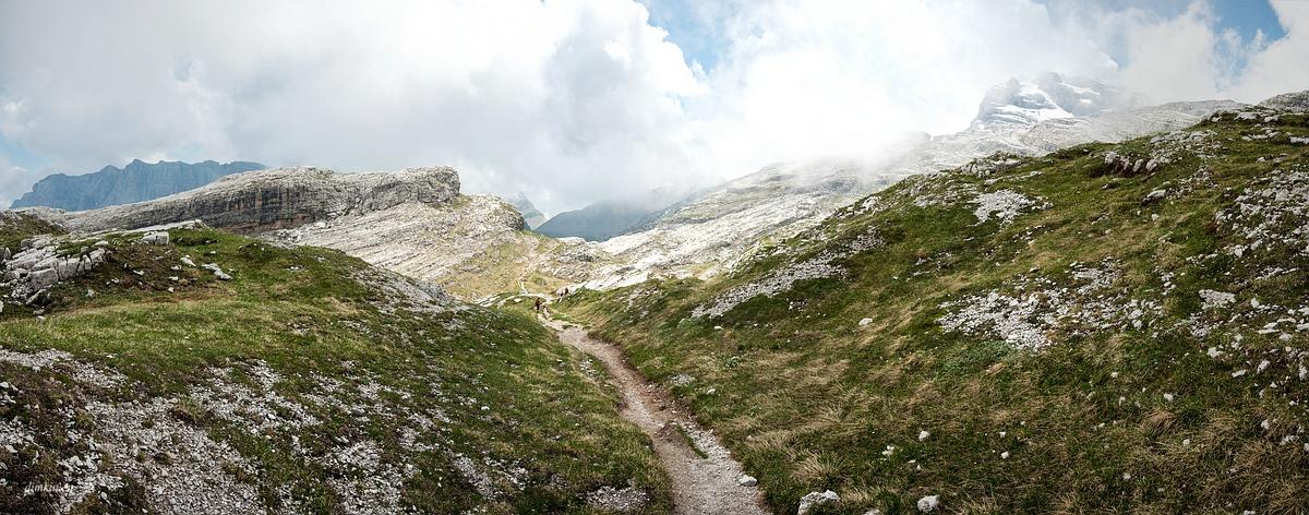 Tuenno, Trentino, Trentino-Alto Adige, Italy, 0.002 sec (1/640), f/8.0, 2016:07:01 10:15:20+00:00, 20 mm, 10.0-20.0 mm f/4.0-5.6