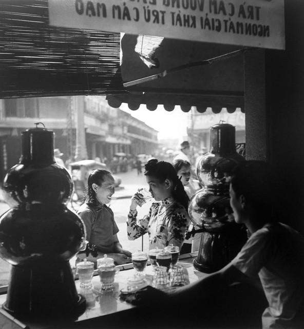 Salon de thé – Saïgon 1952 - Ngã tư Đồng Khánh-Phùng Hưng