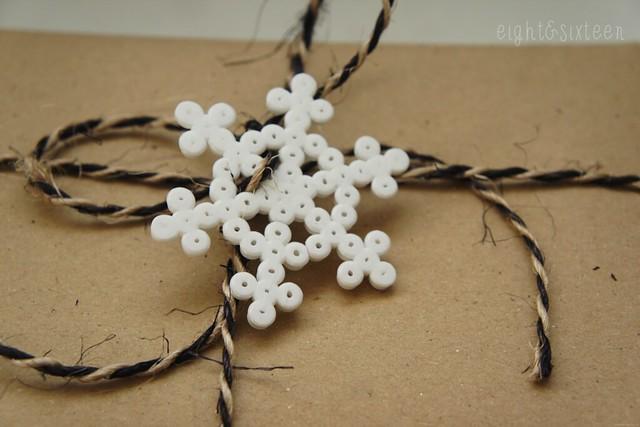snowflake gift wrap idea