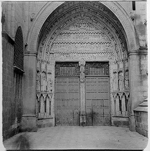Puerta del Reloj en 1904. Fotografía de Augusto T. Arcimis © Fototeca del IPCE, MECD. Signatura ARC-0715_P