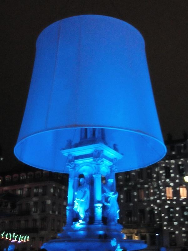 Fête des Lumières Lyon 2014_fontaine_en_lampe