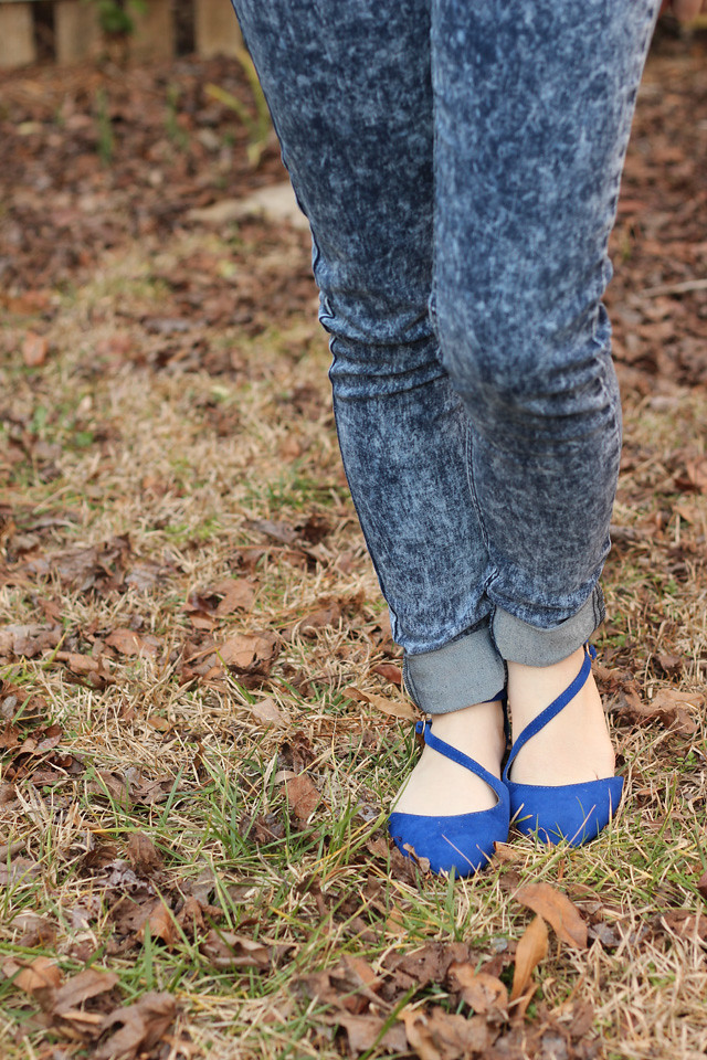 Skinny Acid Wash Boohoo Jeans with Blue Pointed Flats
