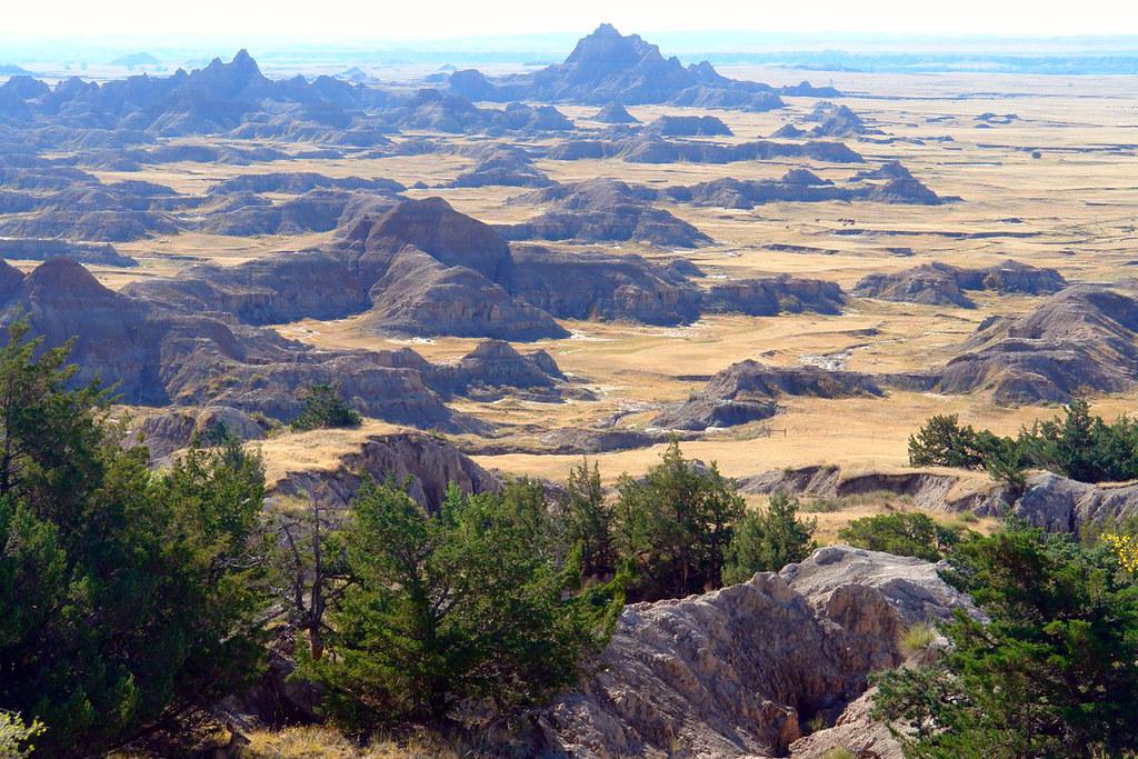 Llanuras de Badlands parque nacional badlands, devastadora erosión - 16316751460 ab89913be2 b - Parque Nacional Badlands, devastadora erosión