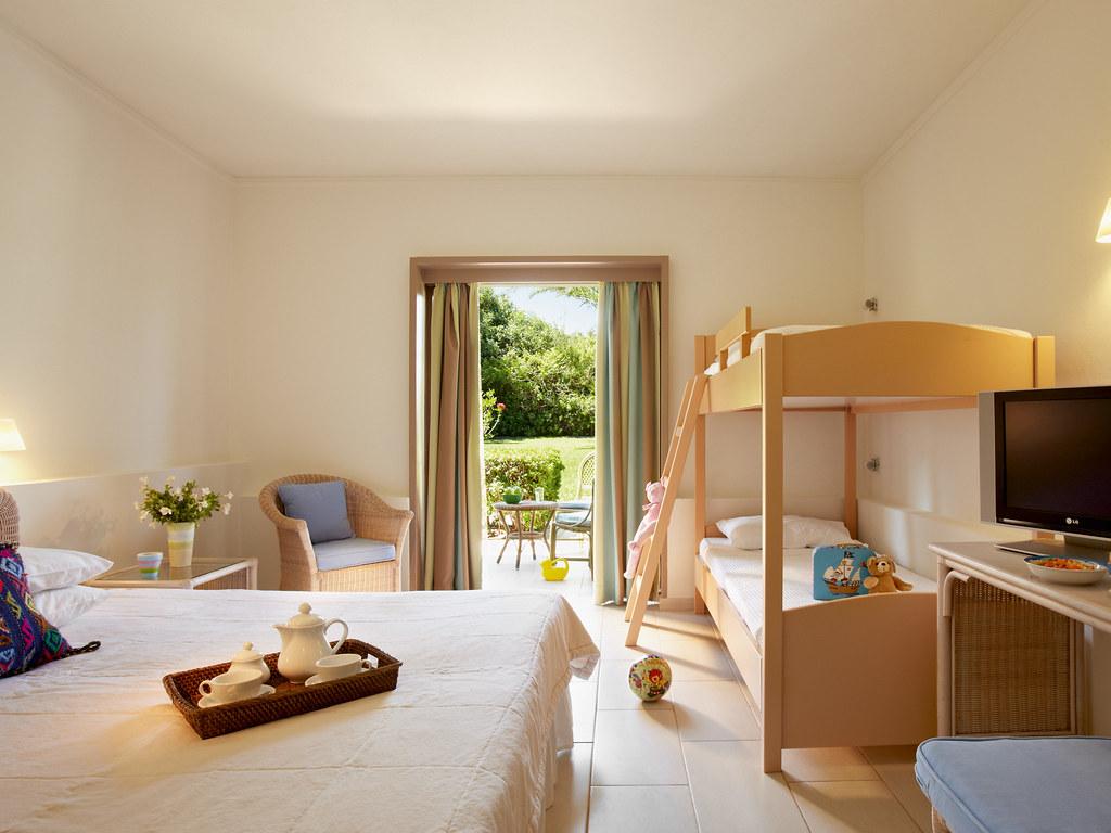 family-room-3667