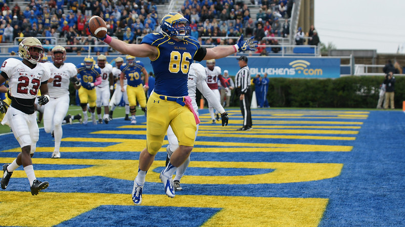 Birds of a Feather flock together: Blue Hen Nick Boyle to Ravens