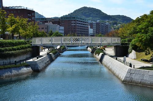 bridge autumn japan canal october pedestrian 日本 nagasaki kyushu 九州 2014 10月 長崎県 十月 神無月 kannazuki かんなづき themonthwhentherearenogods 平成26年