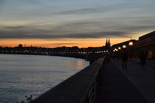 Bordeaux by night 05