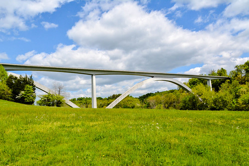 bridge tennessee natcheztraceparkway birdsonghollow doublearchbridge pamschreckcom completed1994 photographerpamelaschreckengost ©pamelaschreckengost presidentalawardofdesignexcellence1995