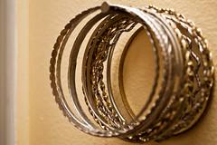 ring(0.0), silver(0.0), wedding ring(0.0), jewellery(1.0), bangle(1.0), circle(1.0),