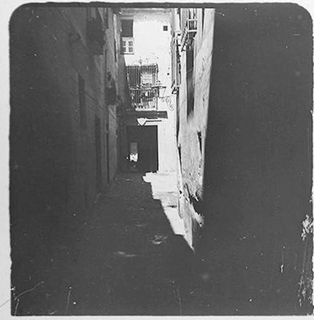 Callejón de Gigantones en 1900. Fotografía de Augusto T. Arcimis © Fototeca del IPCE, MECD. Signatura ARC-0710_P