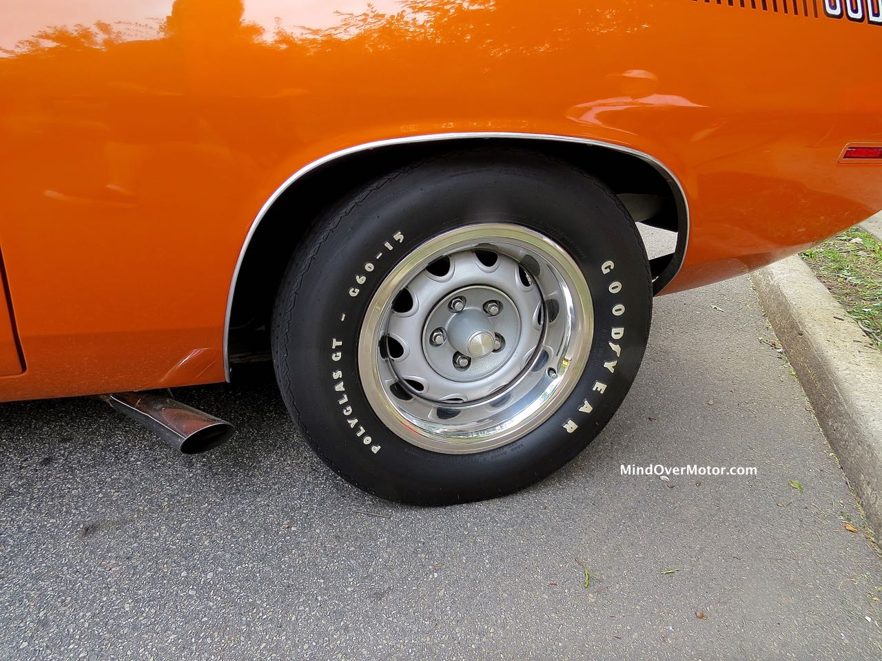 Plymouth AAR Cuda Tire and Side Pipe