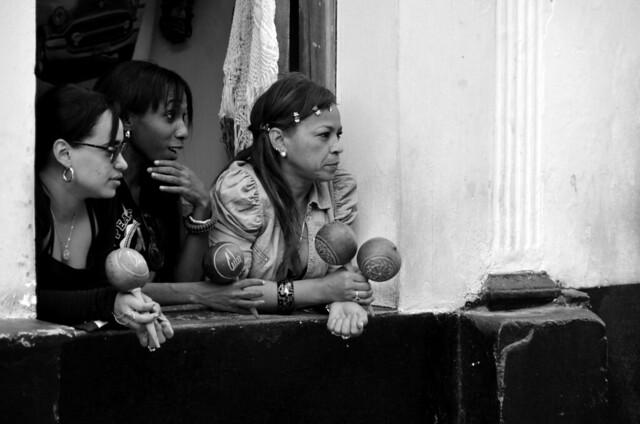 Jóvenes cubanas en La Habana