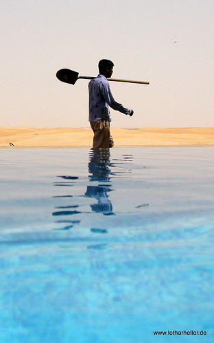 pool view desert united uae emirates arab worker emirate liwa vae arabien tilal