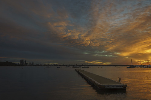 city morning light sky colour water clouds sunrise river dawn scenery cityscape sony scenic australia alpha westernaustralia swanriver matildabay crawley carlzeiss a99 cityofperth sal1635z variosonnar163528za slta99 stevekphotography