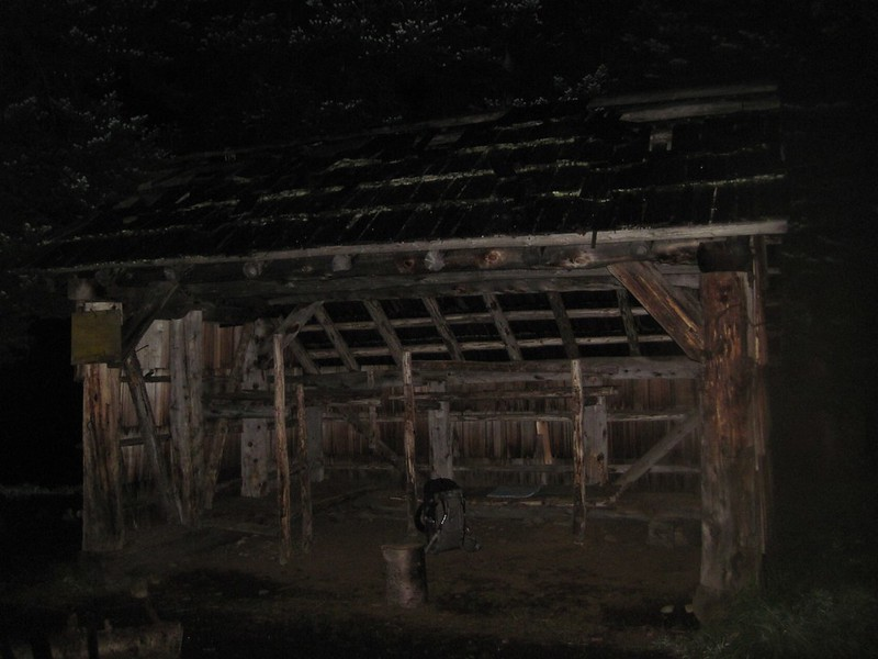Night view of Devils Park Shelter on the Jackita Ridge Trail