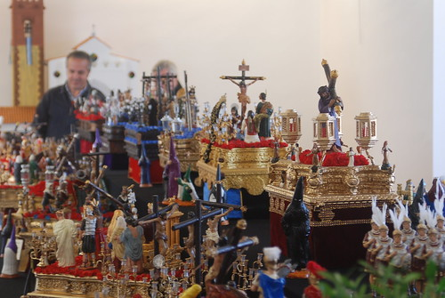 AionSur 16448240520_1fe38b9383_d La mayor exposición de pasos en miniatura llega a Arahal de la mano de Jesús Jara Cultura