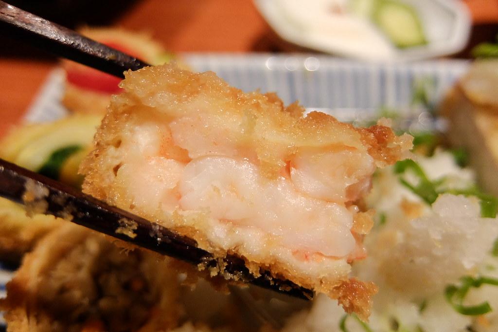 鮮蝦排,中間蝦子填得很飽和