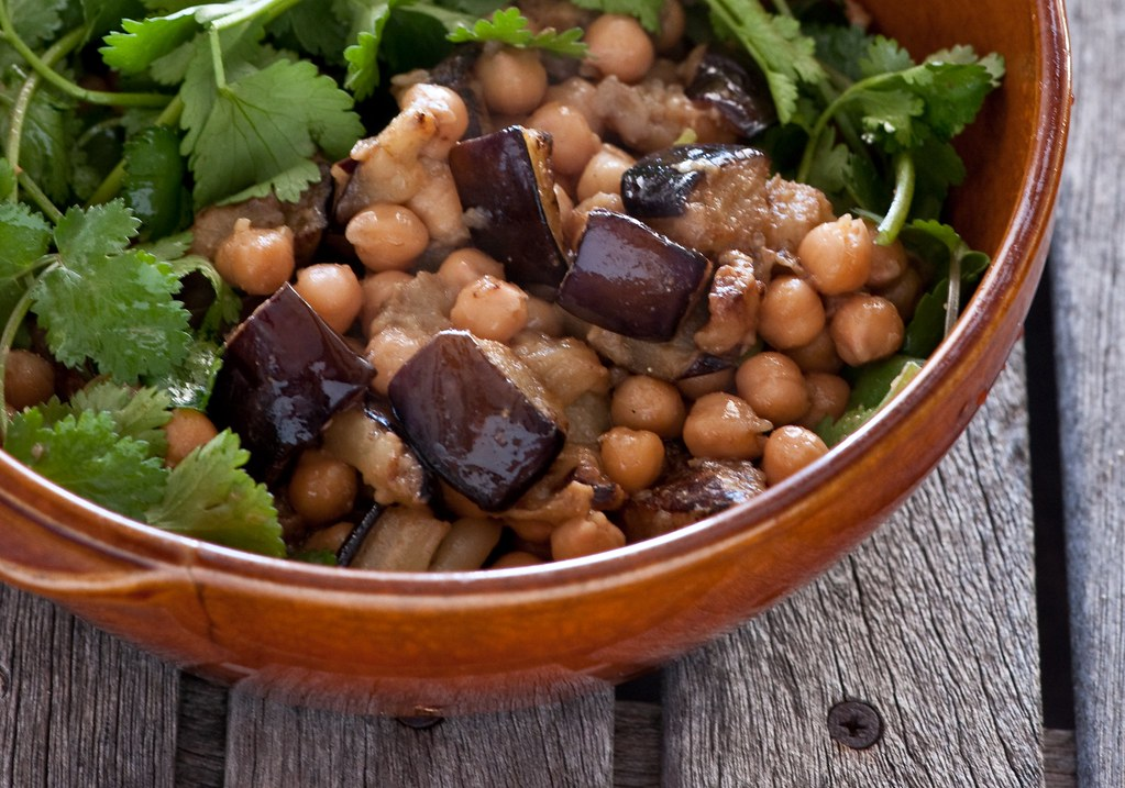 aubergine with chickpeas