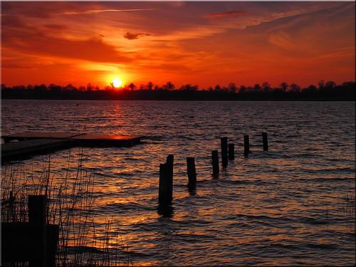light sunset lake water geotagged deutschland see licht wasser sonnenuntergang deu schleswigholstein scharbeutz pönitzamsee olympusem10 geo:lat=5403523403 geo:lon=1069836887