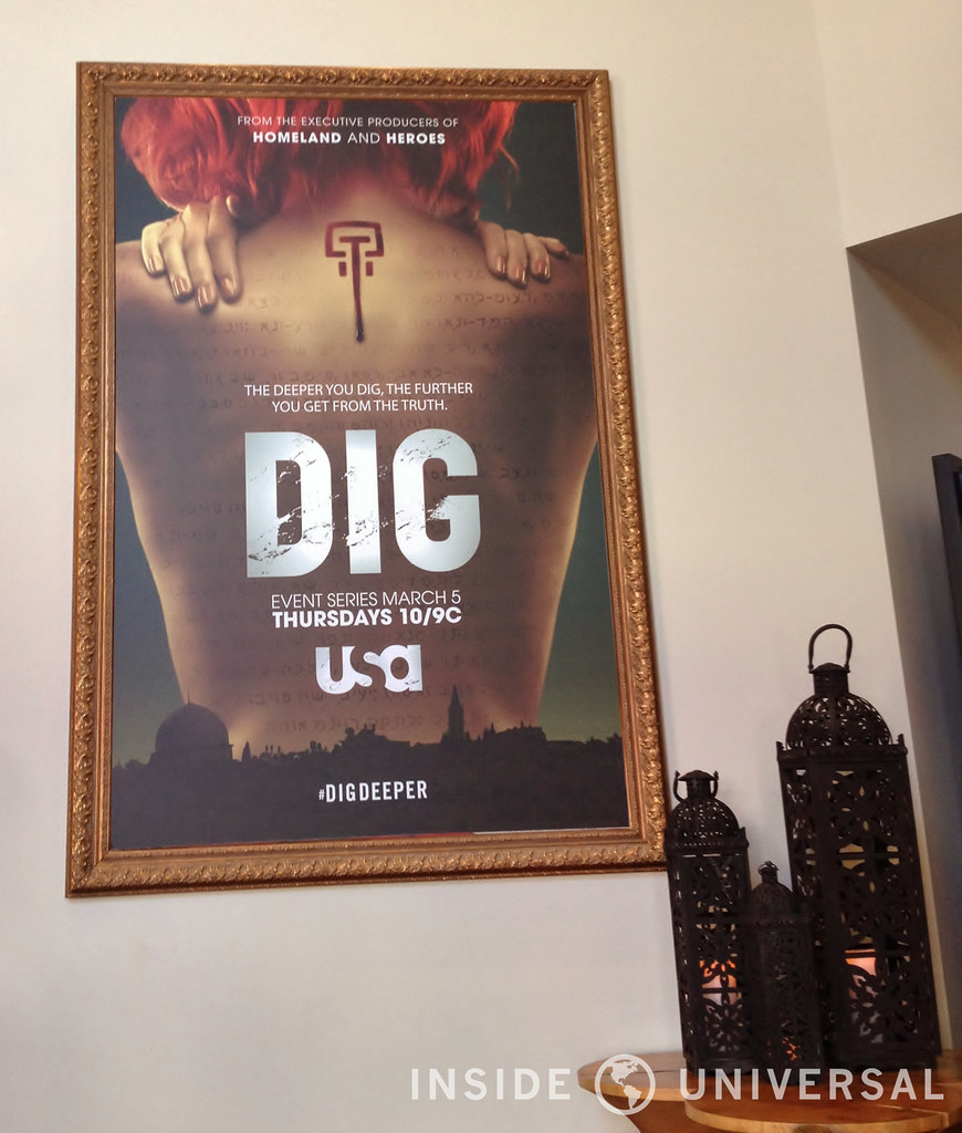Universal Hosts Dig: Escape the Room in Globe Theater