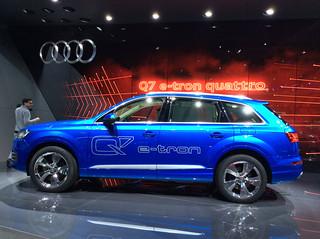 Audi-2015-Q7-01