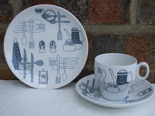 Barker Brothers Tudor Ware Fiesta Design / Pattern Mid Century Modern Trio 1950's 60's