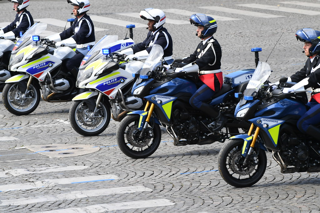 Flickr photos tagged gendarmerie picssr for Gendarmerie interieur