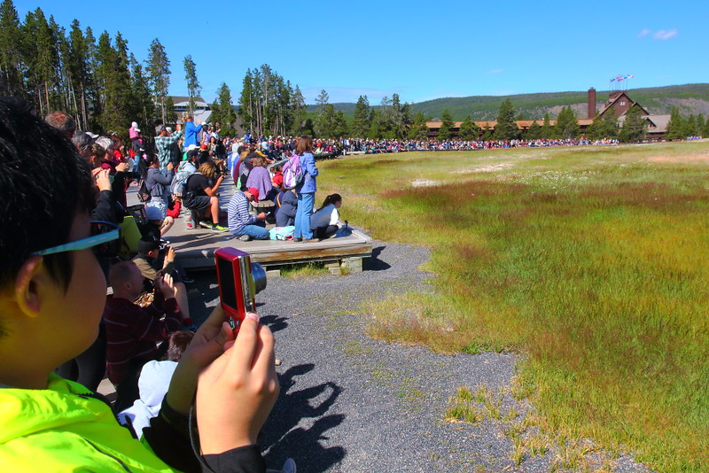 IMG_0933 Crowds Waiting for Old Faithful Geyser