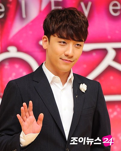 seungri_angel_eyes_140403_033