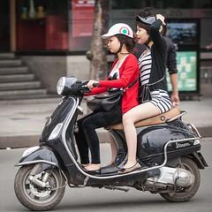 Vespa girls: Friendship on a LX150