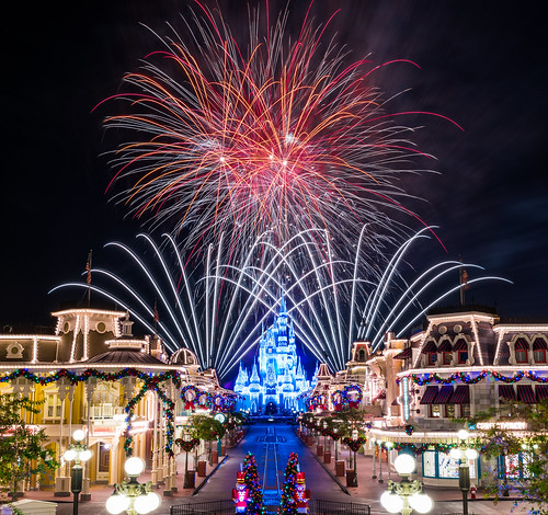 world christmas street travel decorations vacation usa holiday castle station train lights orlando nikon holidays florida fireworks magic main dream kingdom disney cinderella pyro walt pyrotechnics d810