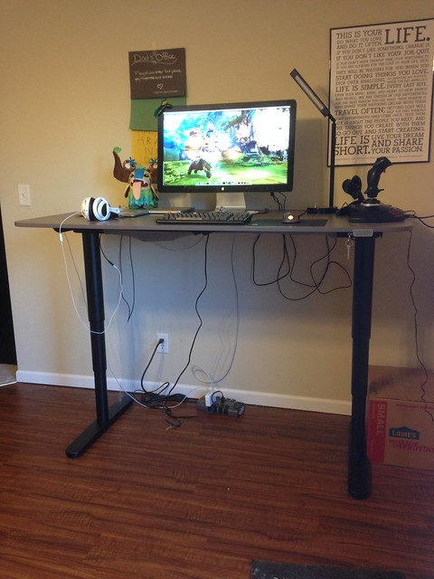 Review ikea bekant sit stand desk toast driven for Ikea galant bureau debout hack