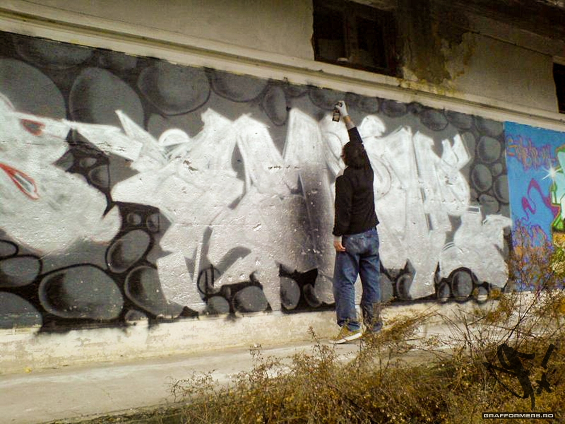 07-20070205-velenta_abandoned_warehouse-oradea-grafformers_ro