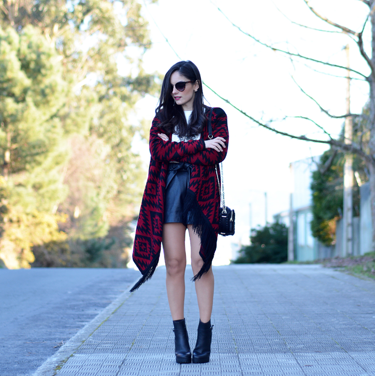 poncho_zara_pullandbear_boots_ootd_outfit_08