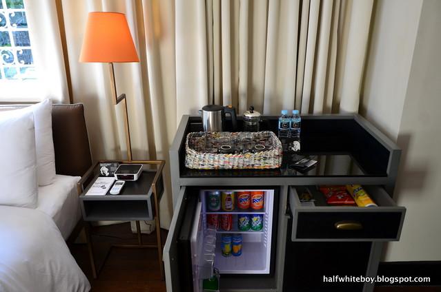 the henry hotel manila 19