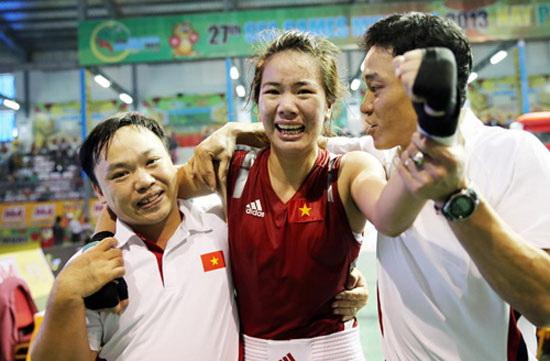 Boxing nữ Việt Nam tập huấn tại Thái Lan