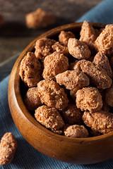 Homemade Sweet Cinnamon Coated Almonds