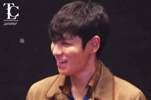 TOP-StageGreeting_Day2-LotteYongsan_20140907-(3)