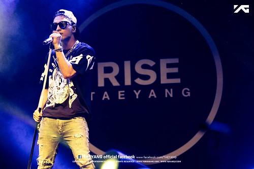 Taeyang_Facebook_BUSAN_concert_20140627 (10)