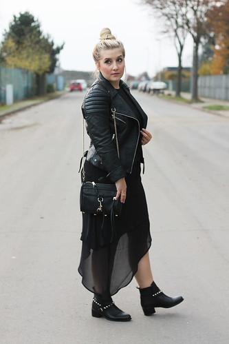outfit-black-look-kombinieren-kleid-